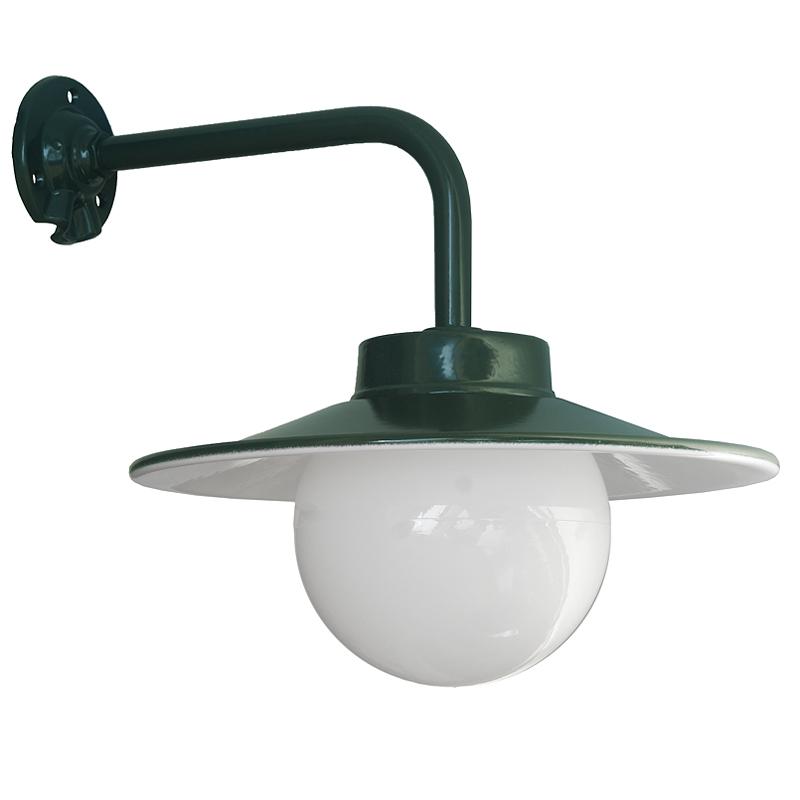 grüne hoflampe mit Kugel